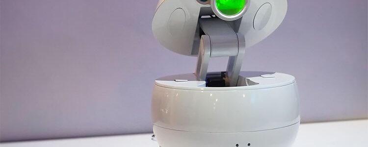 ربات پاناسونیک، همراهی بامزه با پروژکتور داخلی